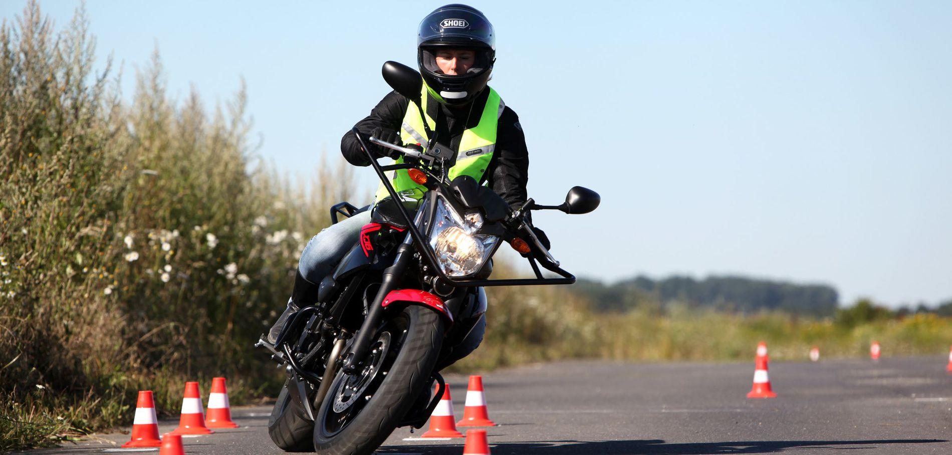 Moto : Je suis une grande fan de moto, je vous parle de ma passion et de mon hobby